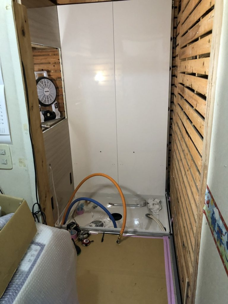 ユニットバスの組み立て|東京都足立区江北のF様邸にて浴室改修リフォーム