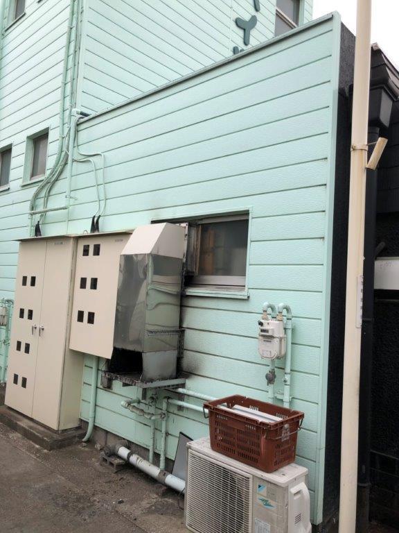店舗の排気ダクト工事