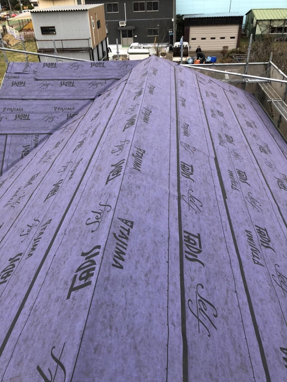 金属屋根への葺き替え中