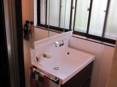 縁側部の床の張り替え工事・洗面台の交換工事