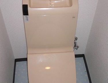トイレのリフォーム(便器交換・クロスの張り替え)